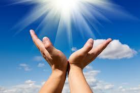 Energia liberada pelas mãos consegue curar malefícios, afirma pesquisa da USP